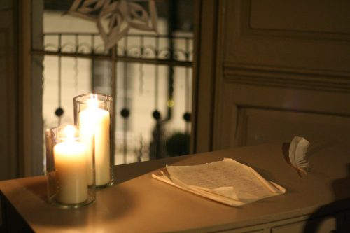Candles and papers on the desk in Franklin's parlour