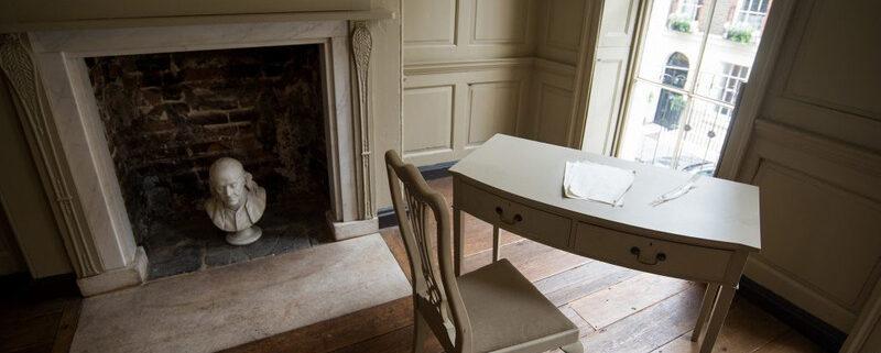 Desk in Franklin's parlour